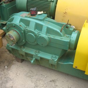 # K 330 gearbox motor &drive fitted with fluid coupling,ratio 18.61 model-TCH3-225-E,,415,rpm1480,CMG 45Kwmotor ( (2)