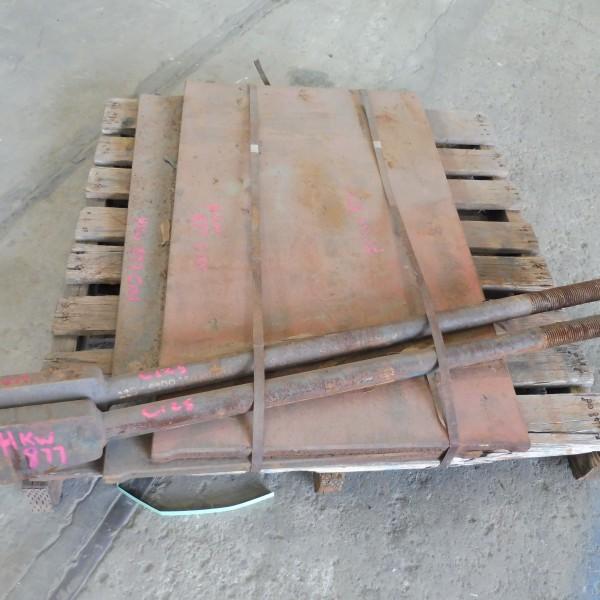 # K 877  1 Pallet C125 Toggle Plates  & Pull Bk RodsJPG (1)